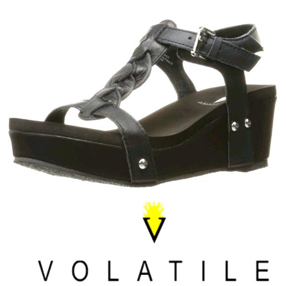 Volatile  Women's Itzel Wedge Sandal